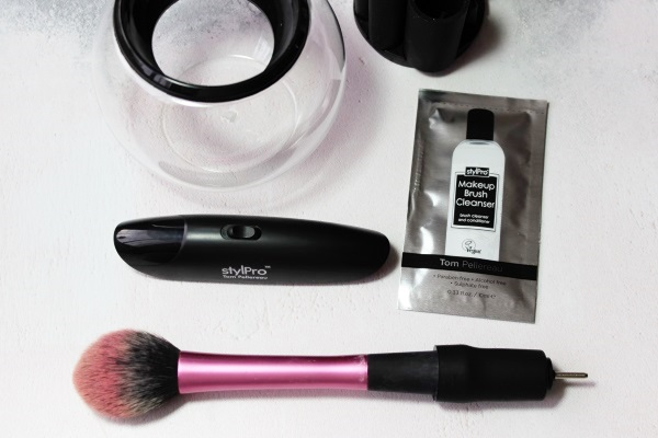 StylPro Makeup Brush Cleaner Sample1