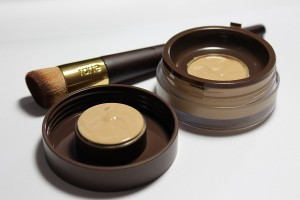 Tarte Coloured Clay Liquid Foundation pot1