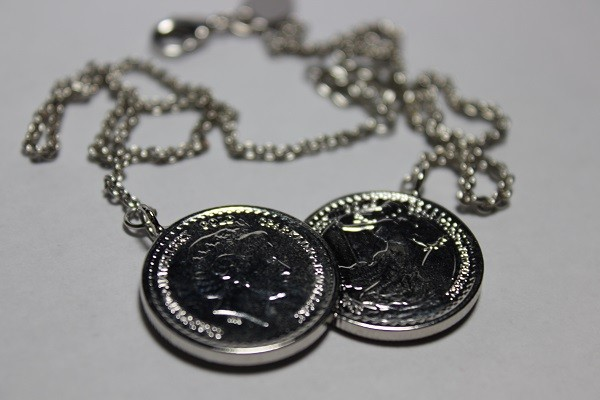 Icoinic Coin Necklace1